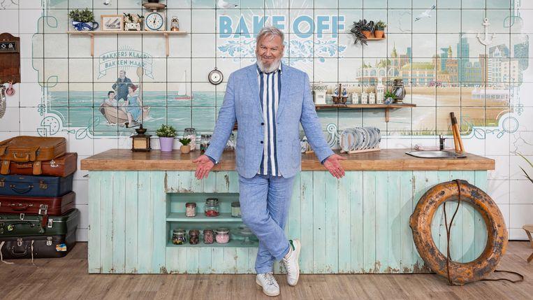 Presentator Wim Opbrouck in 'Bake Off'. Beeld SBS