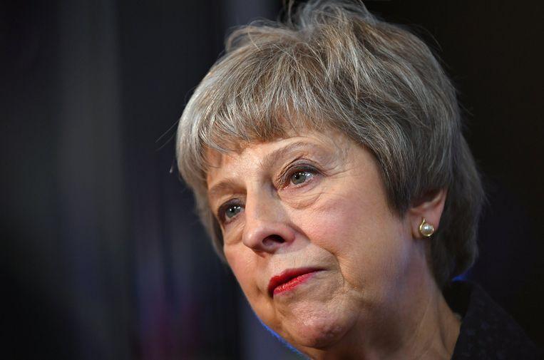 De Britse premier probeert met een open brief die direct gericht is aan de Britten, het volk achter haar moeizaam bevochten brexitdeal te krijgen. Beeld REUTERS