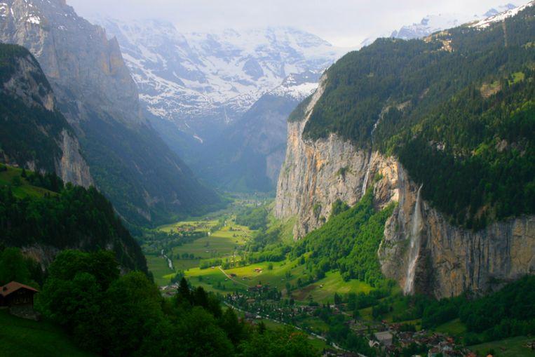 Het prachtige dorpje Lauterbrunnen in Zwitserland. Beeld Getty Images/iStockphoto