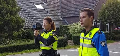 Buurt kiest zelf waar agent moet flitsen: 17 boetes uitgeeld