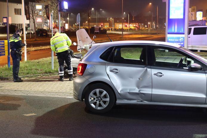 Aan de Frankeneng in Ede zijn vrijdagavond bij een aanrijding twee mensen gewond geraakt.