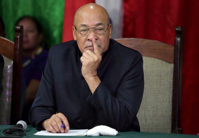Archiefbeeld: De Surinaamse president Desi Bouterse reageert tijdens een persconferentie op zijn veroordeling van 20 jaar cel voor zijn aandeel in de Decembermoorden in 1982