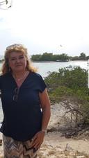 Miriam ter Hofte op Curaçao.