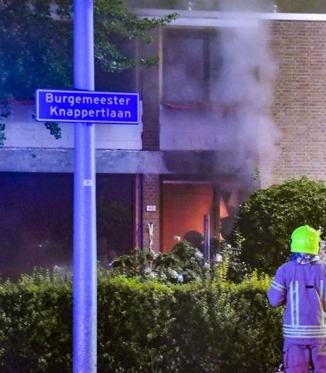 Enorme rookontwikkeling bij brand in woning Burgemeester Knappertlaan Schiedam