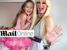 Moeder geeft 7-jarige dochter bon voor borstvergroting
