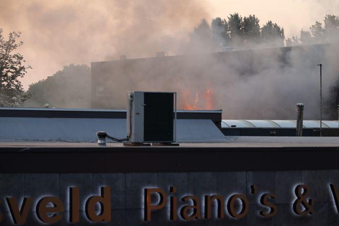 Brand op industrieterrein in Tilburg.