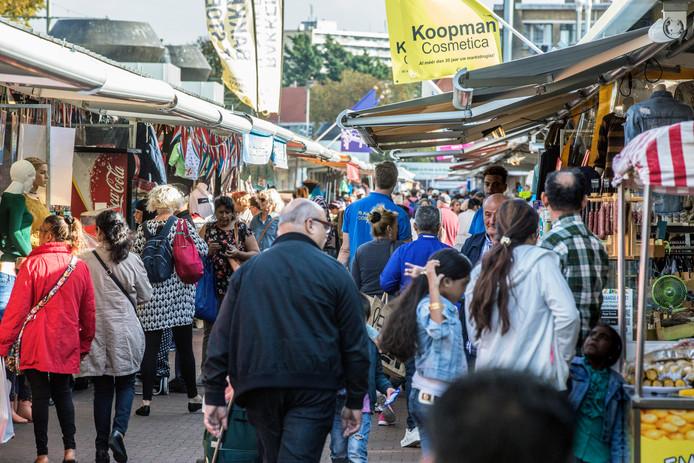Groep de Mos wil kerstsfeer op Haagse Markt met verlichting | Den ...