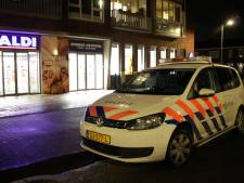 Overvallers bedreigen personeel supermarkt Veenendaal en slaan met buit op de vlucht