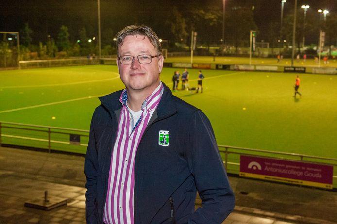 Voorzitter Erik van Tussenbroek van hockeyvereniging Gouda.