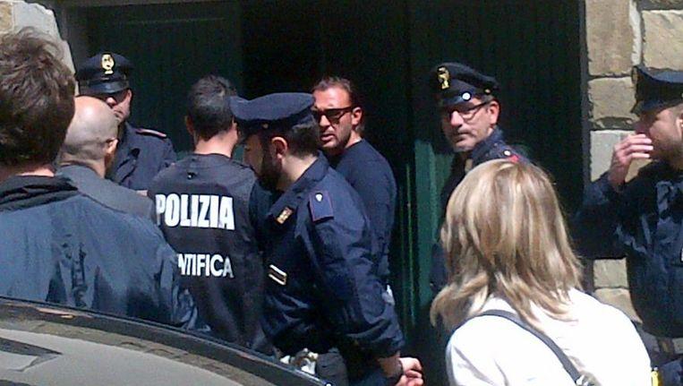 Politie bij het huis van de verdachte in Firenze.