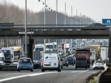 Viaduct in Duiven vernoemd naar omgekomen militair: 'Mijn man stond altijd voor iedereen klaar'