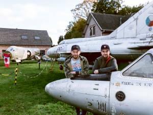"""Gespot tussen het Helchterse groen: drie straaljagers uit vervlogen tijden: """"De Canadese piloot van onze F-104G is zelfs al komen kijken!"""""""