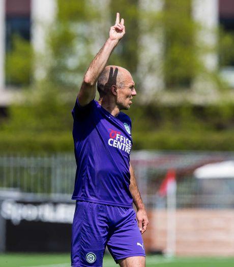 Bondscoach De Boer over flirt Robben met Oranje: 'Zeg nooit nooit, maar voor nu sluit ik het uit'