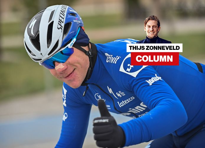Fabio Jakobsen steekt zijn duim op naar de camera tijdens de eerste etappe in de Ronde van Turkije.