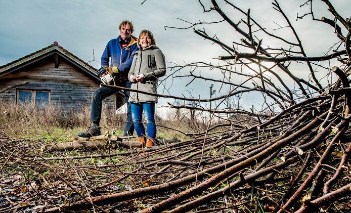 Ecologisch wonen en dan ook nog de pionier daar in zijn. Harrie Kiekenbos en zijn vrouw laat met enige regelmaat mensen zijn natuurlijk huus zien.