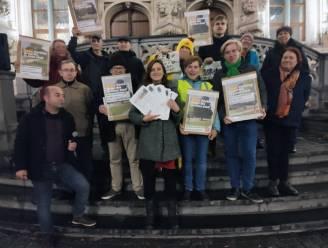 """PVDA voert actie tegen Bruulparking 2.0, waarvoor deel van park De Bruul wordt opgeofferd: """"500 petities mee tegen asociale plannen"""""""