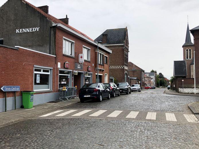 Onder meer Café Kennedy kreeg toestemming om een terras te plaats op de Potstraat.