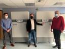Twee nieuwe diepvriezers staan klaar voor in totaal 200.000 coronavaccins in AZ Sint-Jan.
