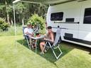 Eric en Nicole Philipart op camperplaats De Bosweide in Haarle.