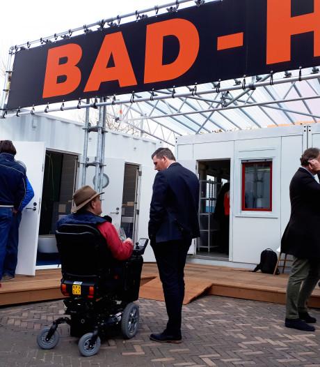 Zwijndrecht heeft na decennia weer badhuis op de parkeerplaats van het P.J. Oudplein