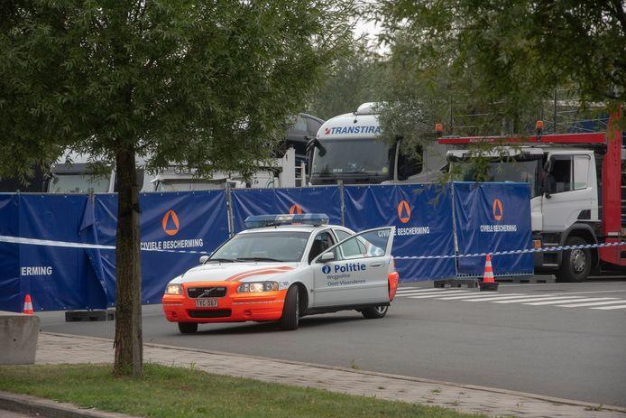 Archief : De parking op de E40 in Wetteren is reeds lang het toneel van mensensmokkelaars.
