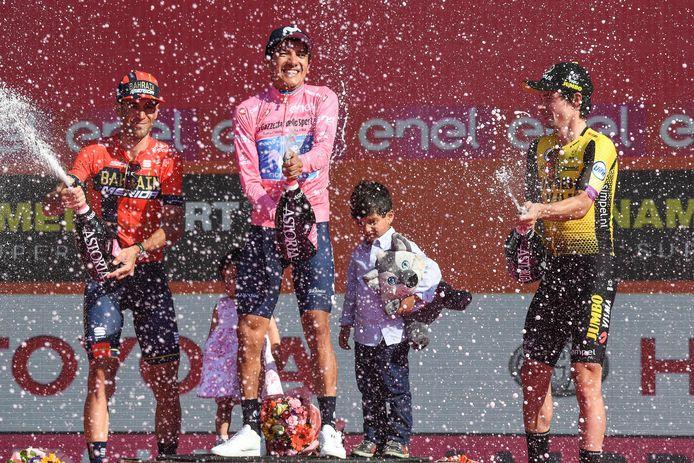Het podium van vorig jaar (vlnr): Vincenzo Nibali, Richard Carapaz en Primoz Roglic.