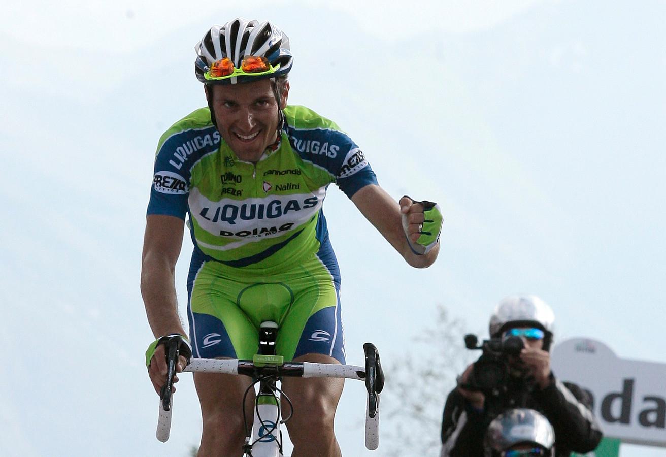 Ivan Basso op weg naar de zege op de Monte Zoncolan in 2010.