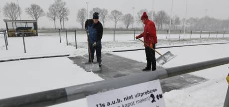 IJsclubs houden hoop ondanks sneeuw