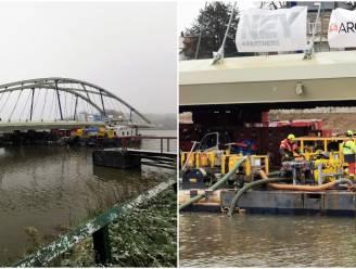 """Zuidbrug invaren op Kanaal Brussel-Charleroi bleek specialistenwerk: """"Alles perfect uitgemeten en gebalanceerd"""""""