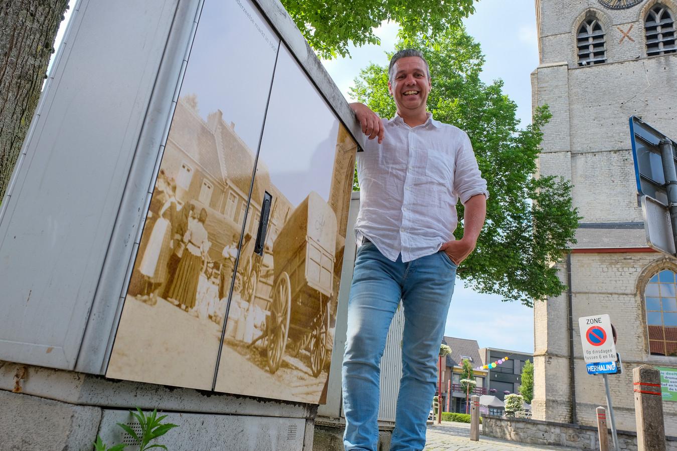 oude foto's sieren elektriciteitskasten in Londerzeel: Dimi Robbyns