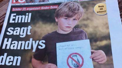 """""""Speel met mij. Niet met gsm"""": Emil (7) is gedrag ouders beu en gaat met leeftijdsgenoten betogen"""