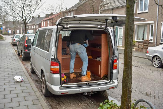 Doorzoekingen Ter Borghstraat Geldrop.