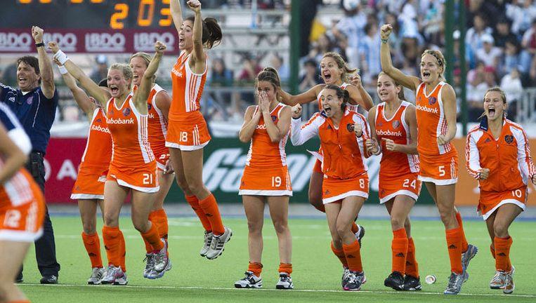 Uitzinnige Nederlandse hockeydames na de halve finale tegen Engeland. Foto ANP Beeld
