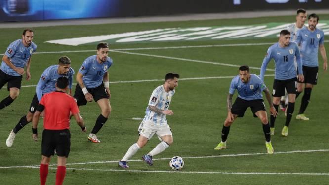 Er was er eentje in vorm: Lionel Messi tovert tegen Uruguay en scoort op onalledaagse manier