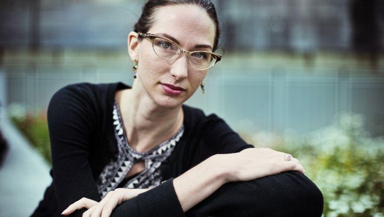 Erin Saltman zal het op TEDxGhent hebben over haar communicatiestrategie waarbij geloofwaardige personen, zoals muzikanten en voormalige extremisten, een tegenverhaal bieden dat jongeren moet wapenen tegen IS-propaganda. Beeld Jonas Lampens
