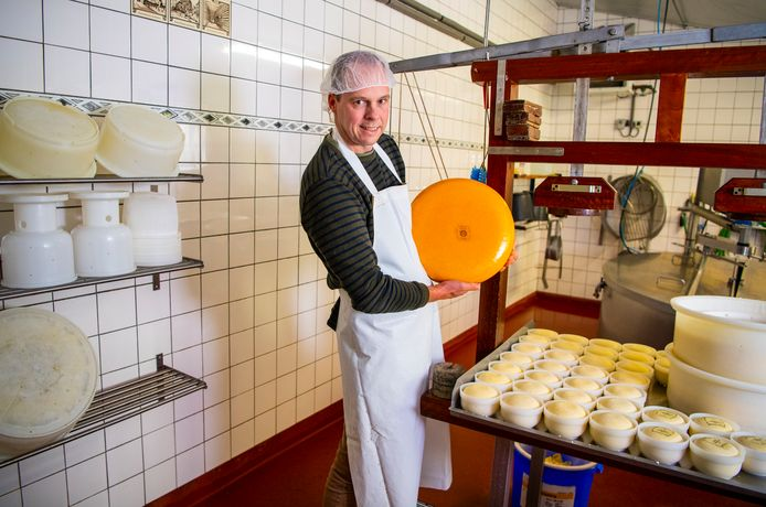 Kaasboerderij Hoogerwaard in Ouderkerk doet mee aan het project 'Fietsen voor mijn eten Krimpenerwaard'.
