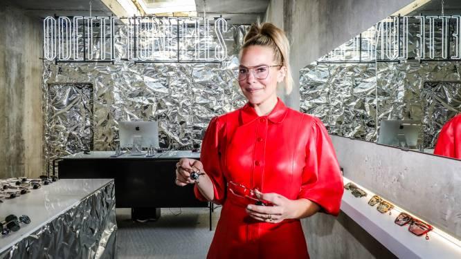 """Eline De Munck verkoopt nu ook brillen in Knokke: """"Hier wil je zien én gezien worden"""""""