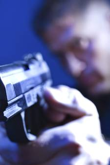 Agenten houden verdachte (20) steekpartij onder schot: Bosschenaar (70) gewond