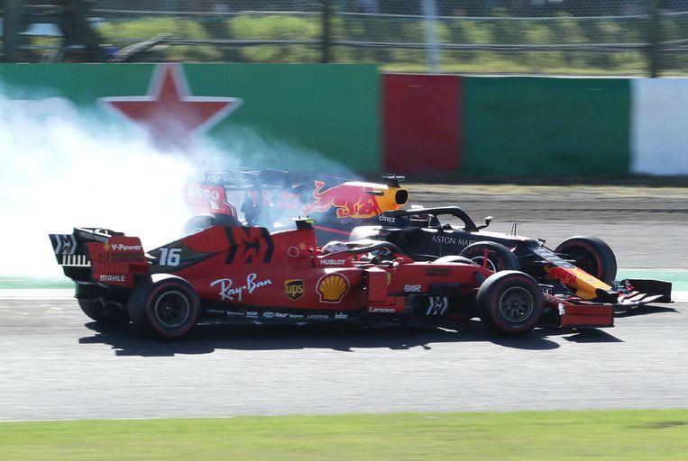De botsing tussen Verstappen en Leclerc.  Beeld AFP