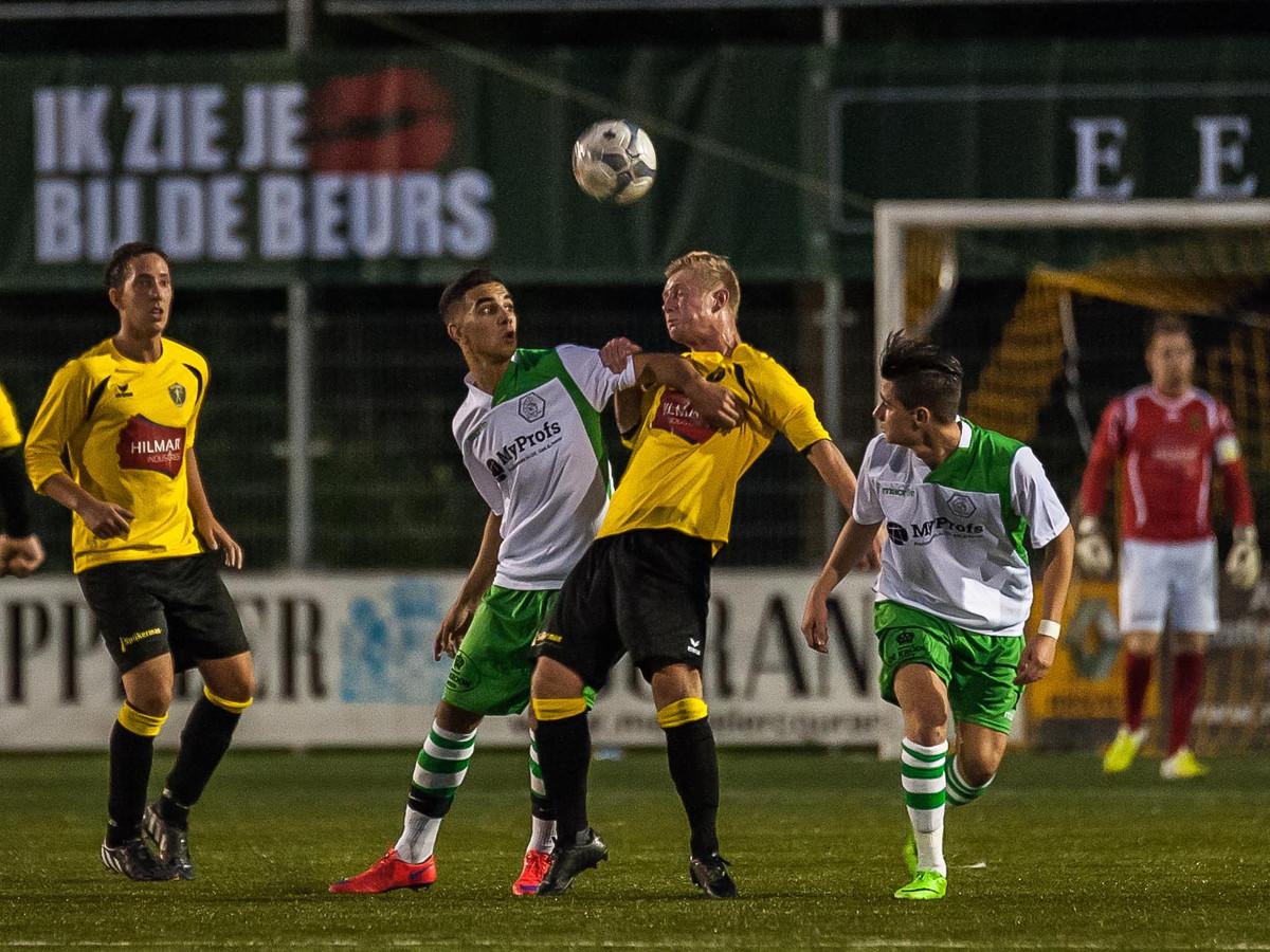 Voetballen is er voorlopig niet bij voor de geelhemden van Alcides.
