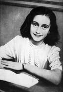 Anne Frank kwam op 8 augustus 1944 aan in Kamp Westerbork en ging mee in de laatste trein naar Auschwitz, op 3 september.