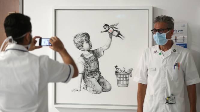 Banksy wil miljoenen ophalen voor Britse zorg en veilt kunstwerk met verpleegster als heldin