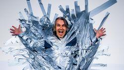 VIDEO: Kan je Wim Oosterlinck met tape aan de muur vastplakken?