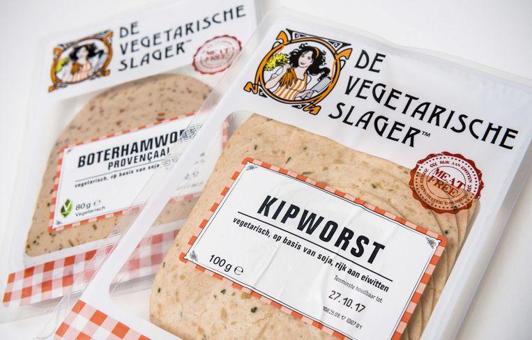 Vegetarische boterhamworst en kipworst.  Beeld ANP