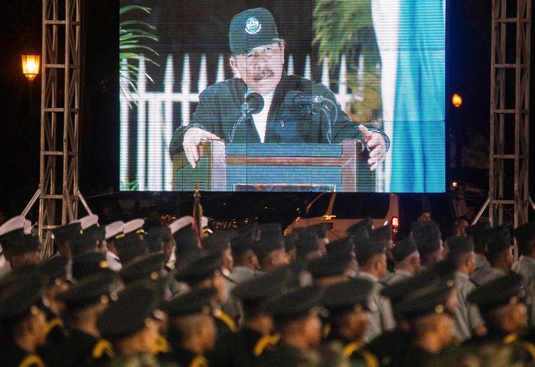 De Nicaraguaanse president Daniel Ortega tijdens een toespraak tot miliairen.  Beeld AFP