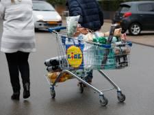 De lonen stijgen maar de koopkracht zal dalen, zo zit dat