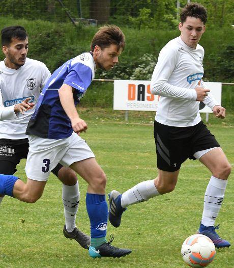 Sambeek-captain Dennis van Well is na hattrick de goalgetter van de regio