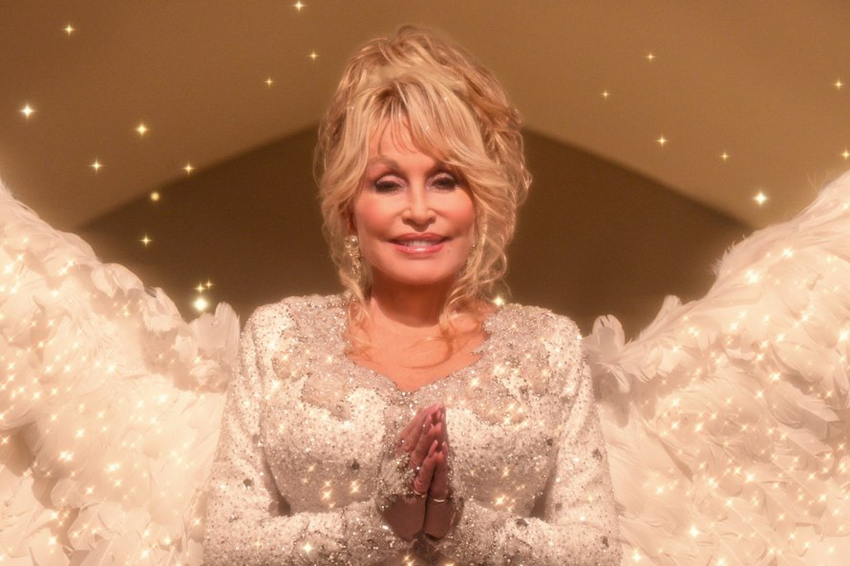 'Dolly Parton's Christmas On The Square'' Beeld Netflix