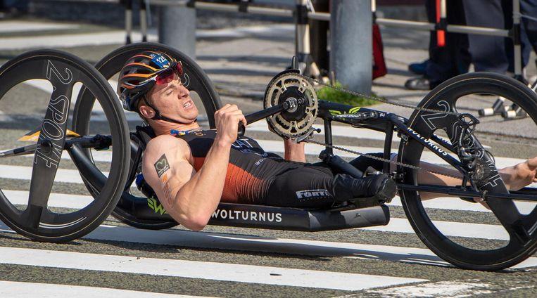 Jetze Plat: 'Een mensenlichaam is niet gemaakt om met de armen te fietsen' Beeld ANP