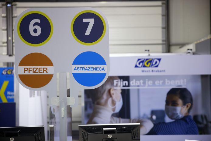 Een hangar van Seppe, ofwel Breda International Airport, is een van de vaccinatielocaties in West-Brabant. Begin mei gaat dit prikcentrum open.